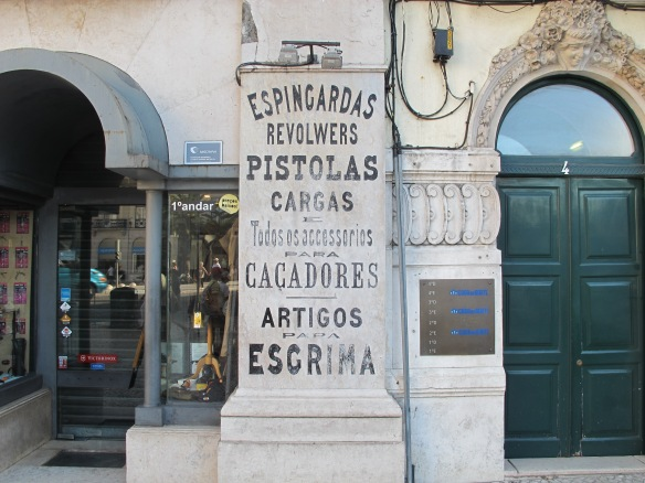Shop in Rossio (Canon G12)