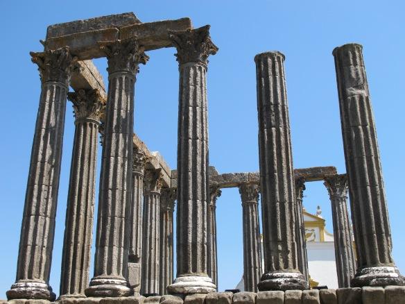 Evora-Roman Temple (Canon G12)