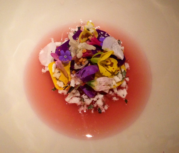 Rhubarb, Spring Flowers, Rose Hip Thé & Bees Wax Ice Cream