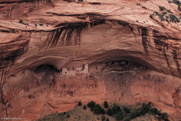 Canyon de Chelly (Mummy Cave)