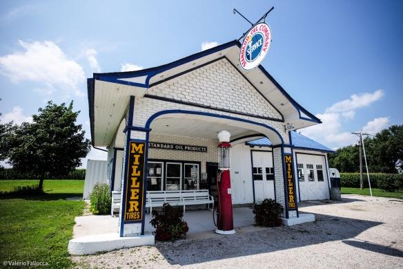 Standard Station (Odell)